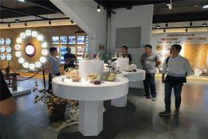 热烈欢迎山东工艺美院来我司洽谈产学研合作项目